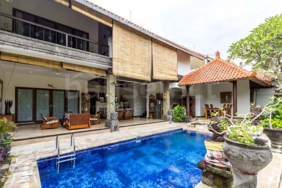 Freehold villa in Batu Belig