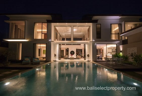 Villa For Sale in Tanah Lot