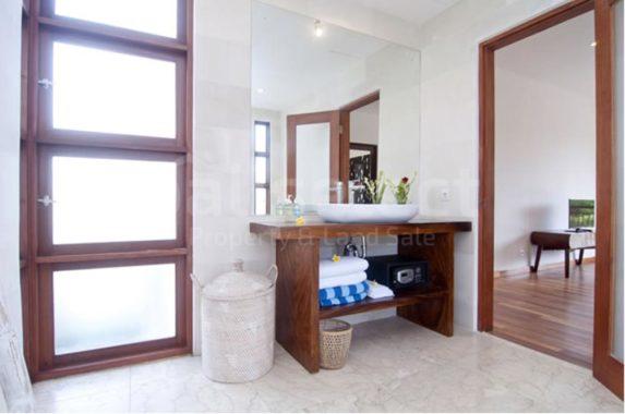 3 bedrooms villa for sale