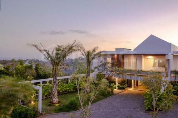 Brand New Modern Villa Complex In Ungasan Bali
